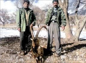 غلامحسین خالدی محیطبان منطقه دنا